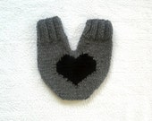 Couples gloves, knitted lovers mitten for him and her, in grey with a big black heart, wedding gift, engagement, anniversary gift