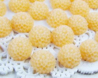 Petite 10mm Resin Dahlia Mum Flower Cabochons Vanilla Cream - 6