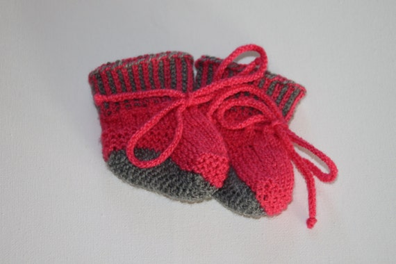 Knitting pattern of Baby doll booties by kairidesign on Etsy