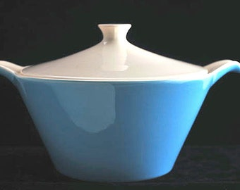 Blue Heaven Round Covered Vegetable Bowl Casserole with Lid by Royal China USA Vintage