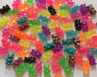 100 WHOLESALE Assorted GUMMY BEARS  Real Size hAnDmAdE Resin Fake Candy Cabochons