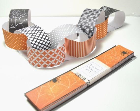 Paper Chain Kit, Halloween Paper Chain / craft for children / Halloween Decor / Halloween
