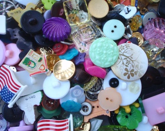 Fancy Button Mix 8 to 30mm 20 Buttons