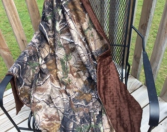 Adult Realtree camo and minky throws 46x60""