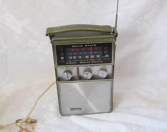 AM FM PB portable radio, Browni radio, battery electric radio, 70s radio