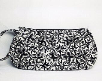 Wristlet/pouch/clutch - Black and cream cotton fabric