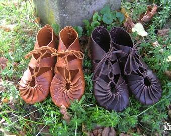 On order Celtic leather shoes vegetable tanning - barefoot sensation brown fairy shoes original viking sandals mocassins soft soled shoes