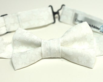 Bow Tie - White with Clovers Bowtie