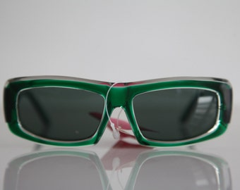 Vintage Polaroid Crystal Emerald  Frame Sunglasses, . Rectangular Polarizing  Lenses.  FACES 8739D. Made in Italy