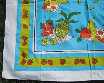 Vintage Tablecloth STRAWBERRIES Strawberry Fruit Aqua Citron Amazing Graphics