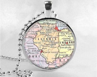 ILLINOIS MAP Pendant, Illinois Map Necklace, Illinois Pendant, Illinois Charm, Illinois State, Vintage Illinois Map, Glass Photo Art Pendant