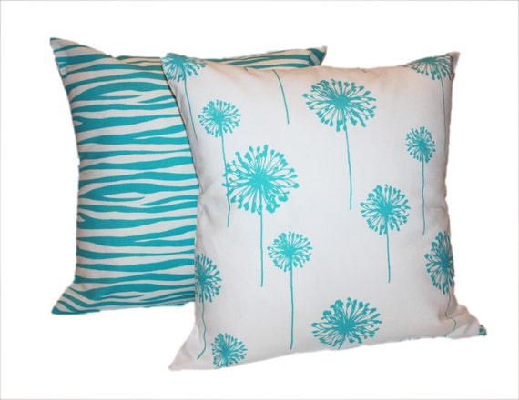 Items similar to Dorm Room Pillows - Toss Pillow Covers for Girls - Pair of Throw Pillows on Etsy