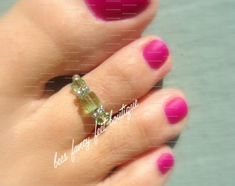 Toe Ring - Peridot - Swarovksi Crystals - Stretch Bead Toe Ring