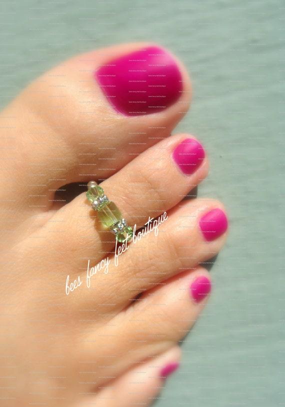 SALE - Toe Ring - Peridot - Swarovksi Crystals - Stretch Bead Toe Ring