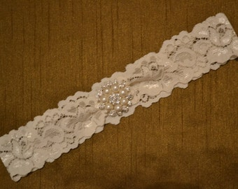 Wedding Garter, Single Bridal Garter, Pearl and Rhinestone With White or Ivory Lace Wedding Garter, Bridal Garter Belt,  Prom Garter