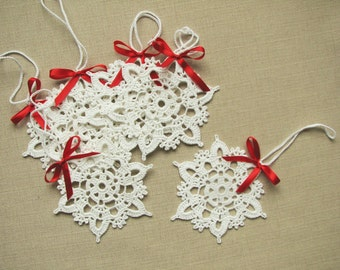 Crochet snowflakes Christmas decors Xmas tree ornaments Wedding decors appliques (set of 6)