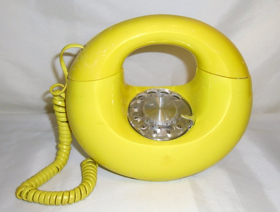 Feb 25,  · Nokia 'banana phone' made famous by 'The Matrix' returns for $97 with 4G internet. A new version of the iconic Nokia with 4G internet was Author: Arjun Kharpal.