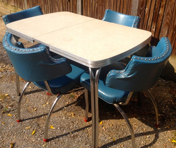 Reserved Lisel Vintage Beauty Chrome Dinette Set Blue