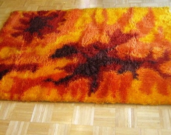 Vintage Modernist Shag Rug, ca Late 1950s, Early 1960s