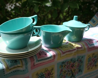 Melmac Texasware Creamer w/lid Sugar bowl, Coffee Cups and Saucers great for Glamping Robins Egg Blue Retro