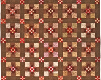 Primitive Folk Art Quilt Pattern - Center Stage Pieced and Applique Quilt Pattern