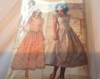 Vintage Butterick Sewing pattern 4829 80's Vintage Wedding Dress & 80s Bridesmaid Dress pattern