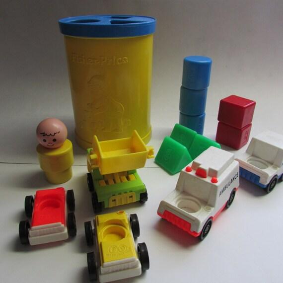 vintage fisher price toys jeu en forme de bloc et voitures. Black Bedroom Furniture Sets. Home Design Ideas