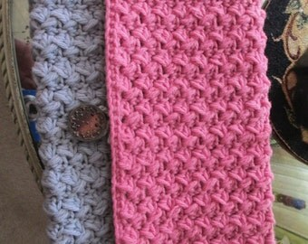 Nifty Vintage Crocheted Clutch Purse Pink Blue Grey Handbag Pocketbook