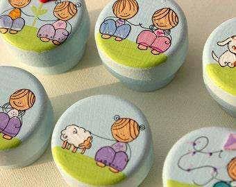 Pomelli acrilici mobilia acrilica mano neonato fatti a mano for Mobilia significato