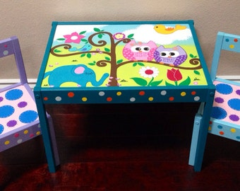 Polka Dot Baby Owls Play Table and 2 Chairs