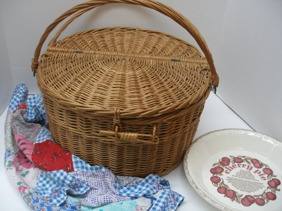 Picnic Basket Pie : Sale round pie picnic basket with double by maryannescottage