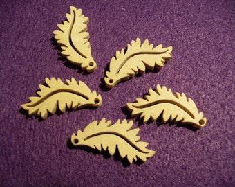 5 leaves, wood, 3 x 1.5 cm  (03-0005B)