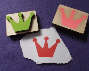 Stamp, crown, 5 x 3.5 cm  (S03-0004A)