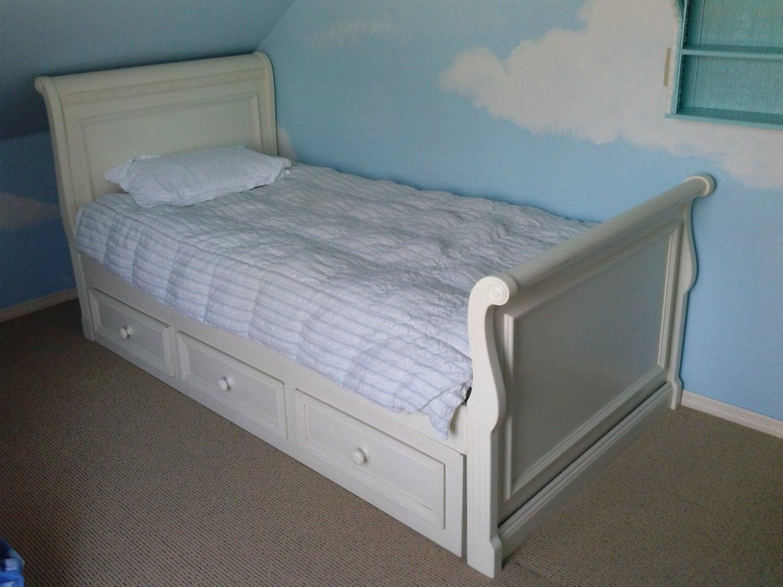 treasured sale vintage shabby chic daybed sofa solid wood. Black Bedroom Furniture Sets. Home Design Ideas