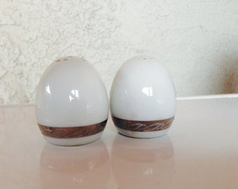 Vintage ceramic salt and pepper shakers