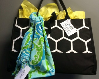 Black and White monogramable tote