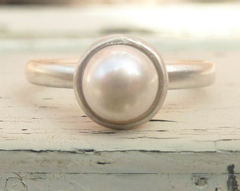 Pearl ring, silver  pearl ring, white pearl ring