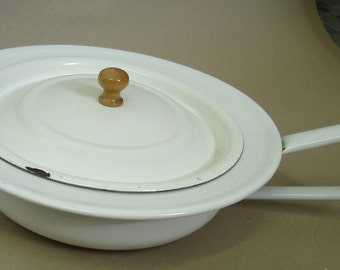 Vintage Enamel Bed Pan w/ Lid, Planter, white Enamel, 40s 50s Germany