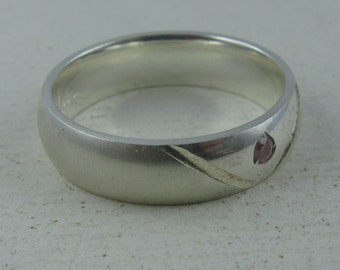 12% OFF: Casually elegant ring in sterling silver (Ag 925) with pink zirconia. VINTAGE