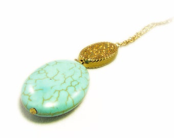 Gorgeous Faux Turquoise and Etched Gold Tone Pendant Drop Necklace