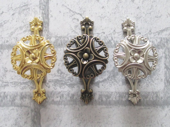Curtain tie back hooks vintage - Vintage Style Wall Hooks Metal Clover Wall Decor Cottage Chic Antique