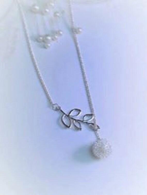 Lariate Olive Branch Open Leaf Pendant Necklace