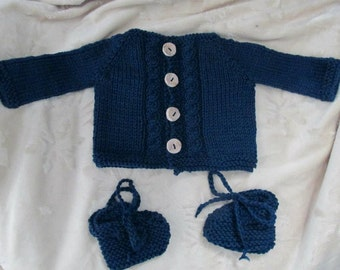 Cardigan with small cable