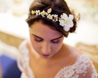 Bridal crown - Floral hairpiece - ivory flower