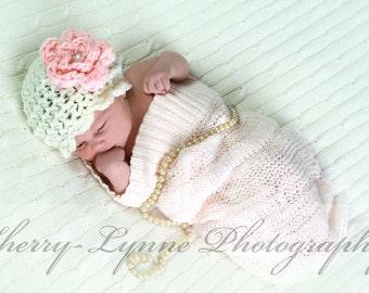 Handmade, Crochet Vintage girl hat, Newborn girl hat with flower, Photo Prop