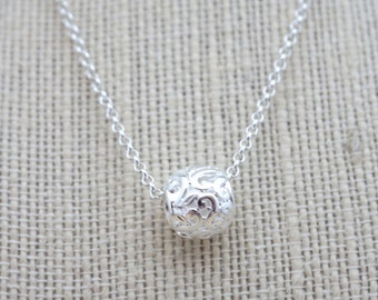 Necklace, Simple Silver Filigree ball necklace: No. N120