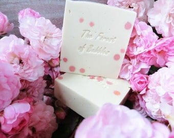 All Roses, Limited Edition, a femenine fragance and a Luxury on your hands