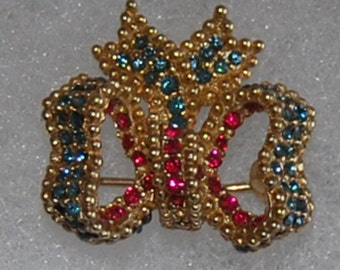signed ciner brooch