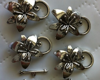 Ship from USA.. 8 set Antique Silver Toggle Clasps, antique silver finding, Flower toggle clasp, alloy Bar and Ring Toggle Clasps