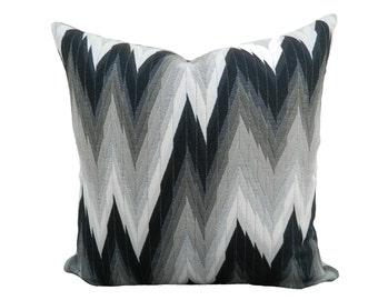 18''x18'' Mengikat Chevron Pillow Cover